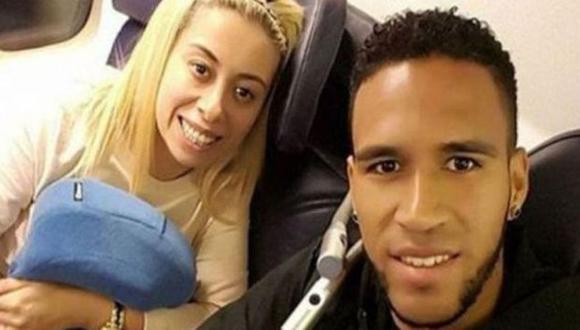 Pedro Gallese y Claudia Díaz captados en avión con rumbo desconocido. (Foto: Instagram)