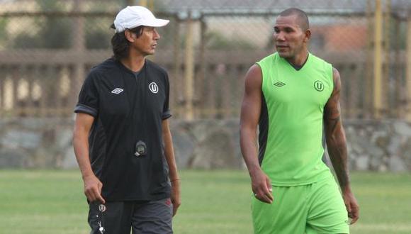 Ángel Comizzo es cuestionado por separar a John Galliquio. (Perú21)