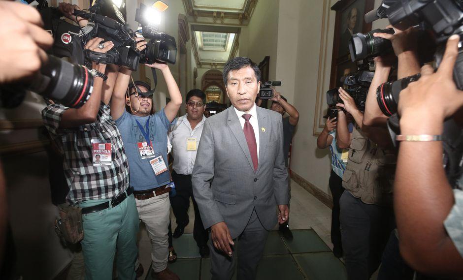 Ministerio Público abre investigación preliminar a Moíses Mamani por denuncia de tocamientos indebidos (Perú21)
