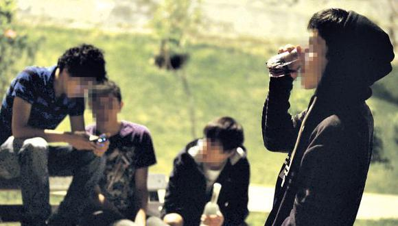 Los jóvenes no miden las graves consecuencias que traería el consumo de bebidas alcohólicas a temprana edad. (Alberto Orbegoso)