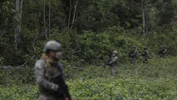 Cuando los militares navegaban por el río Apurímac, a la altura de Puerto Palmeras apareció una columna subversiva por la margen izquierda del río. (Foto: César Campos)