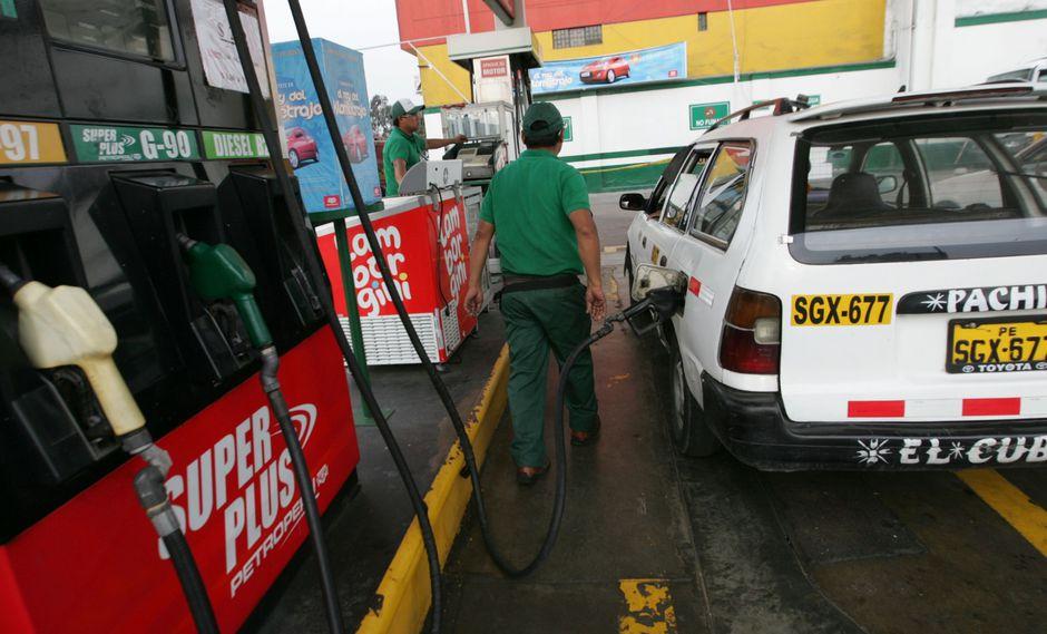 El BCR mencionó que inclusive en Chile sí se ha reportado una baja de precios de combustibles de 20%. (Foto: GEC)
