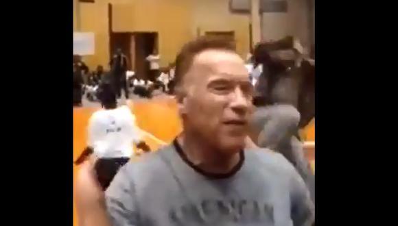 Seguridad de Arnold Schwarzenegger intervino rápidamente al atacante (Captura)