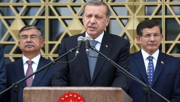 CONVULSIÓN. Presidente turco Erdogan enfrenta grave situación. (AFP)