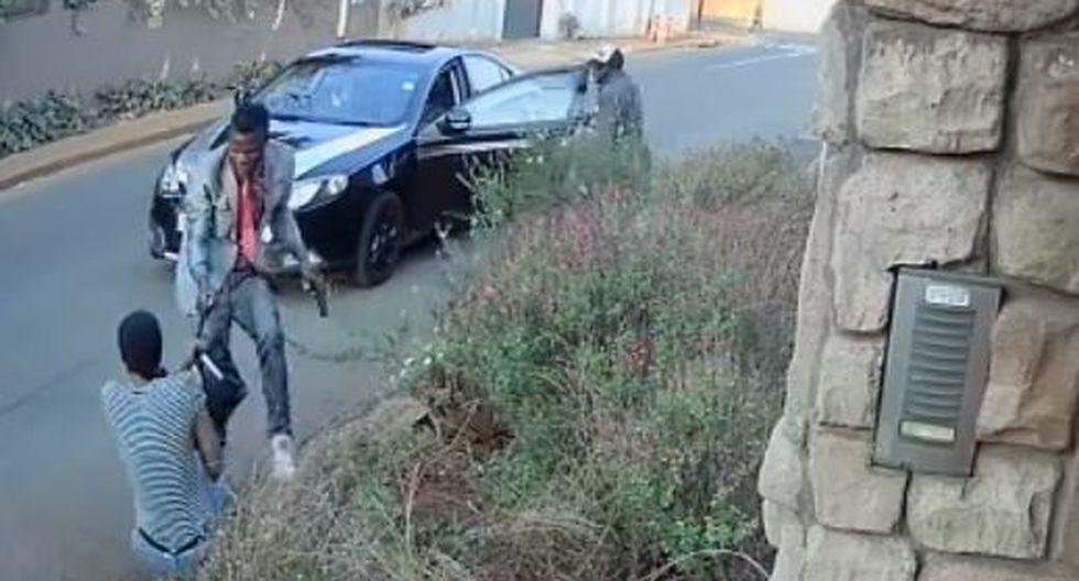 Se defendió de un robo a mano armada por salvar su tésis. (YouTube: Intelligence Bureau)
