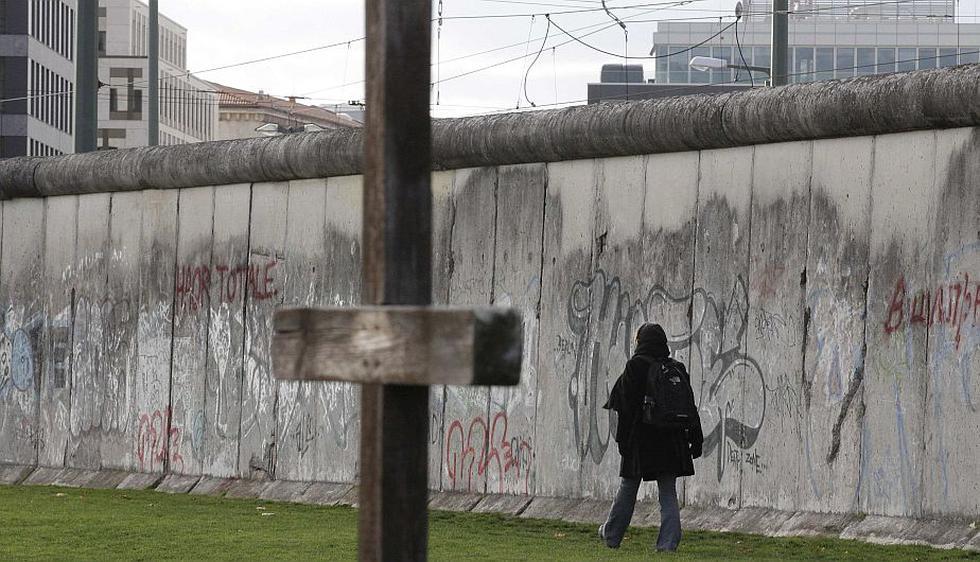 La capital de Alemania conmemoró el 53 aniversario del inicio del levantamiento del Muro de Berlín. (Reuters)