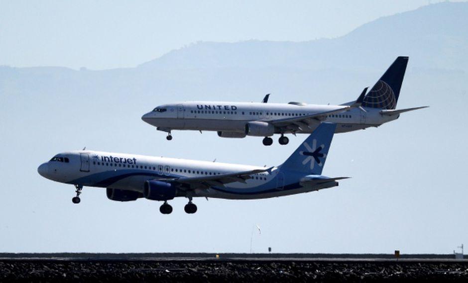 Investigadores creen que un sensor fallido activó un sistema de control de vuelo de los aviones conduciéndolo en caída. (Foto: AFP)