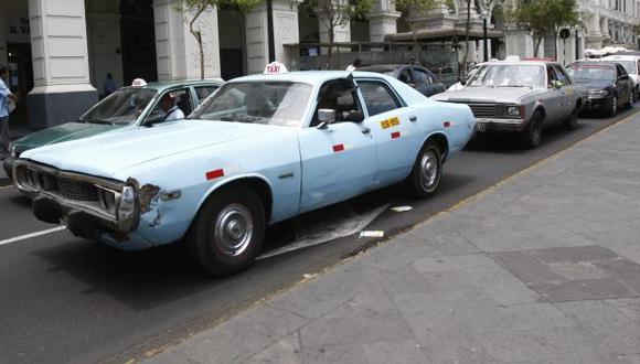 Taxis chatarra: Casi 600 de ellos deben salir de circulación este fin de año. (USI)