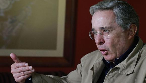 Uribe ataca a su sucesor. (Reuters)