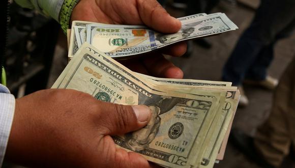La divisa estadounidense ha descendido luego de haber transitado entre la banda de S/ 3.39 y S/ 3.40. (Foto: Reuters)