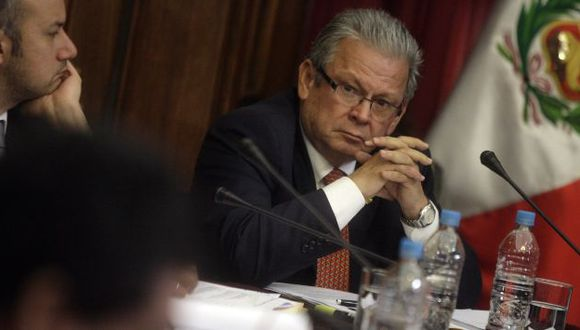 Sin tregua. Congresista Castagnino se ha ratificado en sus acusaciones y pide una drástica sanción. (Alberto Orbergoso)