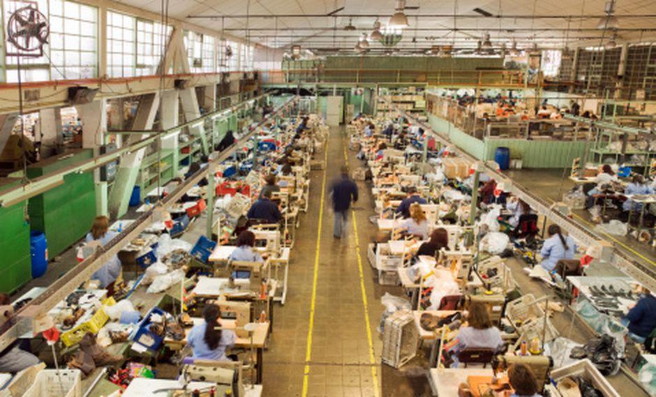 En Chile hay dos proyectos de ley en el Congreso que buscan reducir el horario laboral y que han generado un intenso debate en la sociedad de ese país. (Foto: Getty)