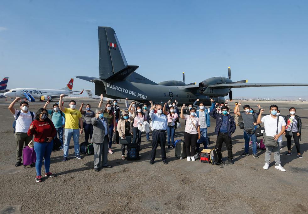 21 profesionales de la salud peruanos y venezolanos viajan a Loreto para detener al COVID-19. (Foto: MINSA)