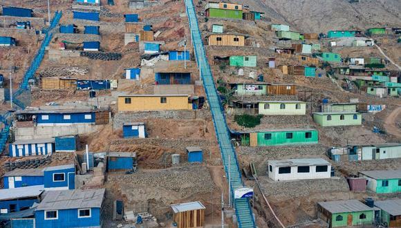 La Municipalidad de Lima inauguró escaleras y losa deportiva en la parte alta de Huaycán. (MML)