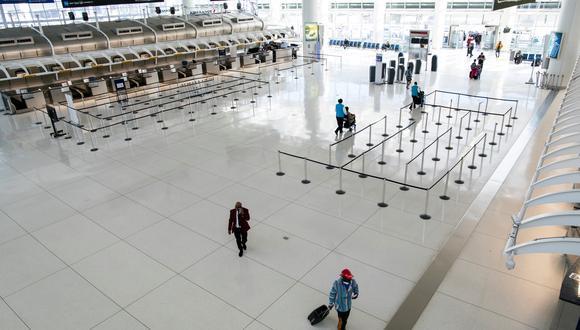 Aunque Latinoamérica se ha visto poco afectada por el coronavirus, American suspenderá durante abril sus vuelos a Santiago de Chile desde Dallas (Texas). (Foto: Reuters)