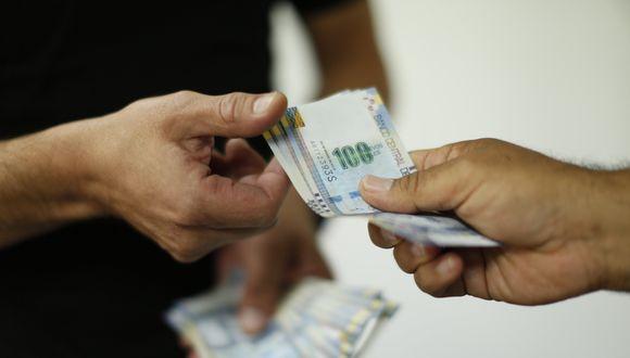 La Ley 30334 exonera el descuento de 9% por aporte a EsSalud a las gratificaciones de manera permanente. (Foto: GEC)