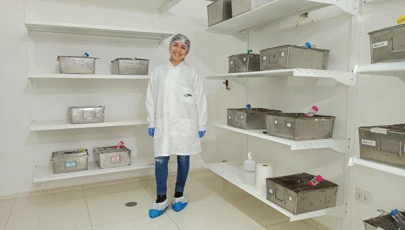 La ayacuchana María de Grecia Cauti ganó Beca 18 y hoy es parte del equipo de la U. Cayetano que desarrolla la vacuna contra el COVID-19.
