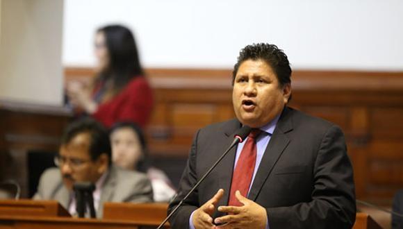 """""""El 'Plan Perú' [plan de gobierno de Fuerza Popular] no se cumplió por ese grupo, lo único que se dedicaron es a salir a gritar en medios de comunicación"""", cuestionó Ushñahua. (Foto: Congreso)"""