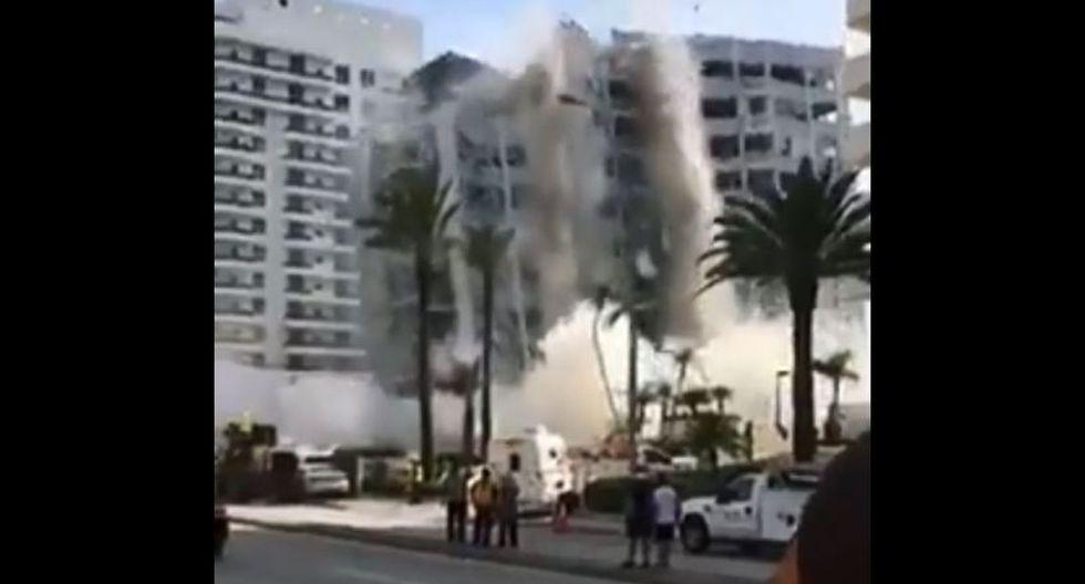 El impresionante momento en el que se derrumba un edificio en Miami Beach, Estados Unidos. (Captura: Twitter/@danielbnews)