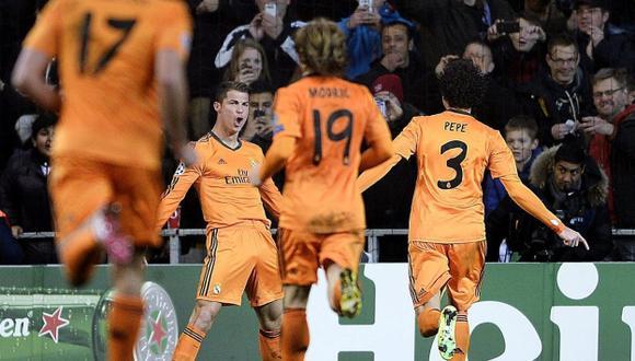 VOLVIÓ AL RUEDO. Cristiano Ronaldo reapareció tras su lesión y anotó el segundo gol del Madrid. (EFE)