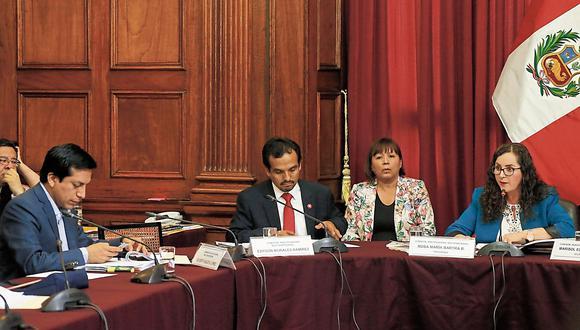 Comisión Lava Jato ratificó la permanencia de Rosa Bartra como presidenta. (USI)
