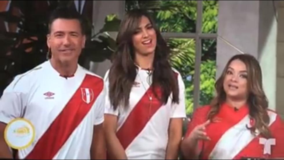 Los conductores del programa 'Un nuevo día' lucieron la camiseta de la selección peruana de fútbol. (Créditos: Captura)