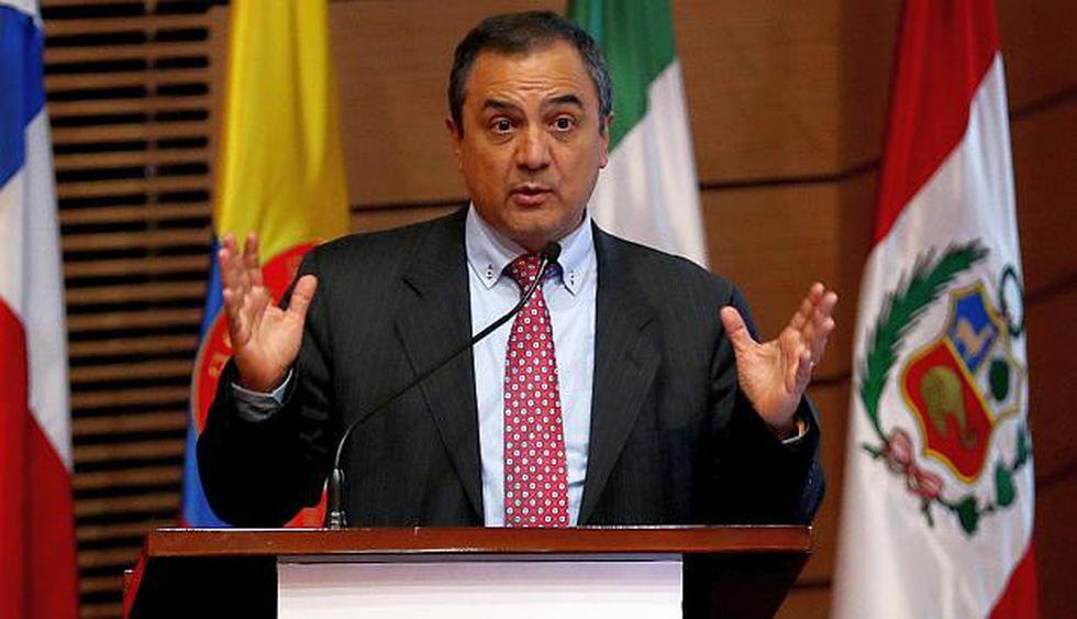 El titular del MEF, Carlos Oliva, dijo en Bogotá que la minería jugará un rol importante en la reactivación de nuestra economía. (Foto: EFE)