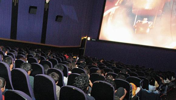 La apertura de los cines y bares tendrá que ser evaluado por el Ministerio de Salud, pues se analiza permanente el tema de las aglomeraciones y el contagio por coronavirus.