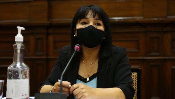 Mirtha Vásquez, presidenta del Congreso de la República, se refirió a la denuncia sobre la eficacia de la vacuna de Sinopharm. (Foto: Twitter Mirtha Vásquez @MirtyVas)