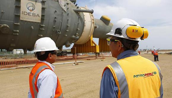 Petroperú destinará una inversión de US$5,000 millones en la modernización de su refinería de Talara. (Foto: EFE)