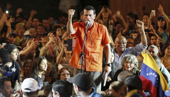 MÁS AGRESIVO. A diferencia de la última campaña, Capriles ahora ataca con más firmeza al régimen. (Reuters)
