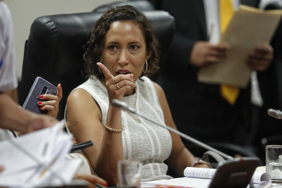 Paloma Noceda expresó su malestar por comentarios machistas en sesión de Comisión de Ética. (Renzo Salazar/Perú21)