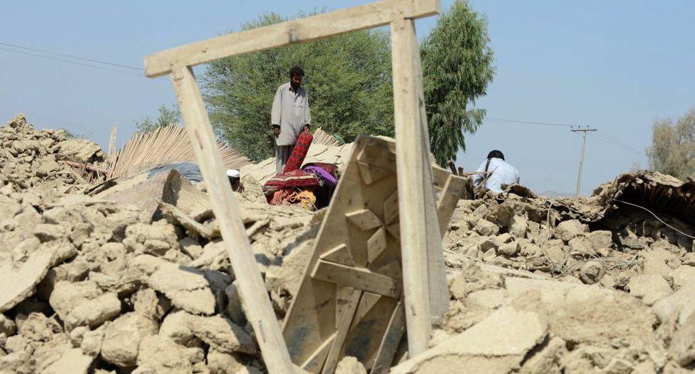 Además hubo 498 personas heridas a causa del sismo, que se produjo en una zona poco poblada. (AFP)