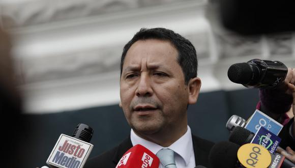 El vocero de PpK, Clemente Florees, señaló que el gobierno mantiene su posición de diálogo. (Foto: GEC / Video: TV Perú)
