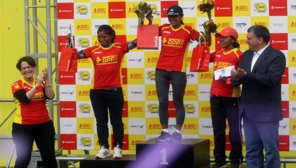 Ganadores en el podio. (Carlos Lara/USI)