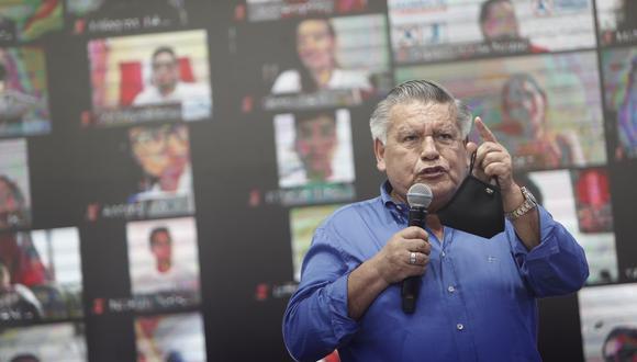 César Acuña aseguró que cumplieron con todos los protocolos durante actividad de campaña en la que la Policía Nacional intervino un local partidario. (Foto: Grupo El Comercio)