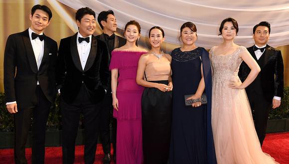 """Oscar 2020: así llegó el elenco de """"Parásitos"""" a la alfombra roja. (Foto: AFP)"""