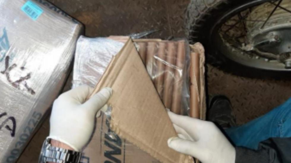 Más de 700 cartuchos de dinamita que eran trasladados sin autorización fueron incautados. (PNP)
