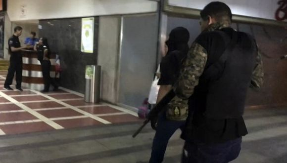 Oficina de Juan Guaidó en Caracas fue intervenida por fuerzas de seguridad de Venezuela. (Foto: AFP)