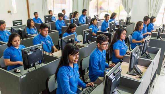 La Fundación Pachacútec viene capacitando a escolares, jóvenes, e incluso a padres de familia. (Foto: Fundación Pachacútec)