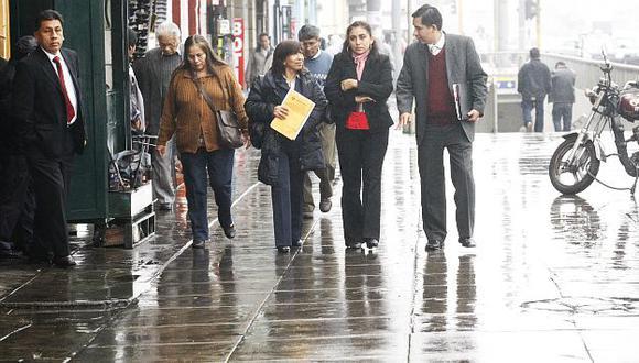 Las calles lucían mojadas tras intensa llovizna. (USI)