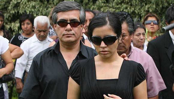 Alejandro Espino Méndez y Elizabeth Espino querían ser los herederos de la fallecida. (USI)