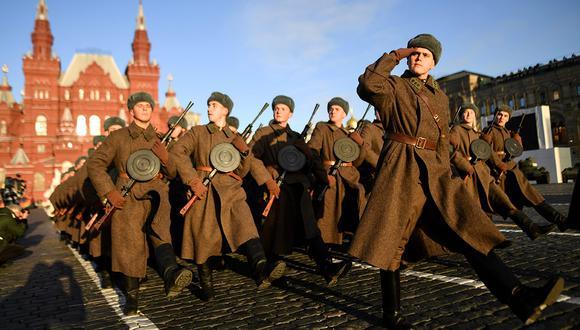 Una bomba hallada en el Kremlin fue desactivada y destruida. El ejército ruso señaló que el artefacto explosivo era de la Segunda Guerra Mundial. (Foto: AFP)