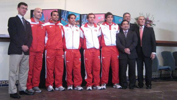 VAN POR GLORIA. Atletas peruanos quedaron listos para participar en los Juegos Olímpicos. (Carlos Lara)
