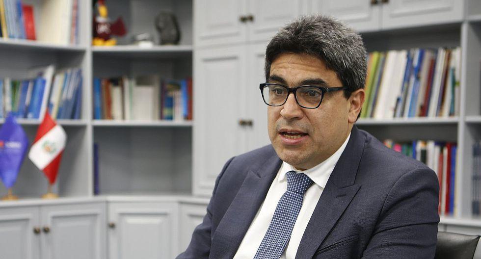 """Ministro de Educación: """"Padres que no puedan mantener a sus hijos en colegios privados podrán trasladarlos a colegios públicos"""""""
