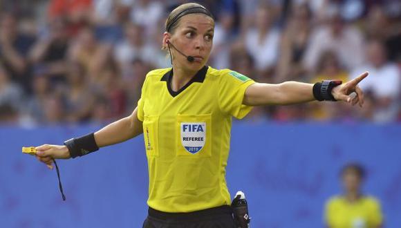 Stéphanie Frappart fue árbitra de la final de la reciente edición del Mundial femenino. (Foto: AFP)