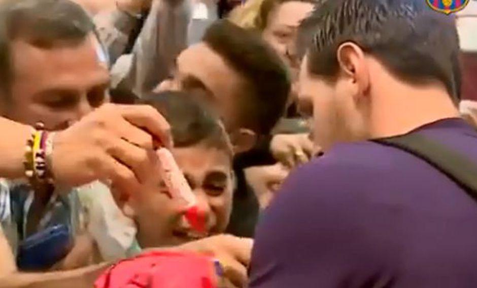 Un niño se emocionó hasta las lágrimas al conocer a Lionel Messi. (Captura: Facebook)