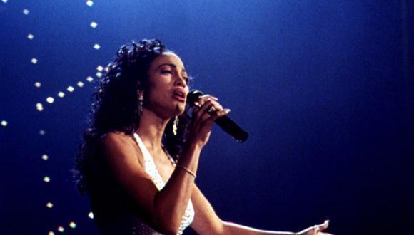 Jennifer López como Selena en la película de 1997 (Foto: Warner Bros.)
