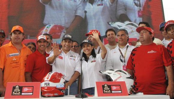 APOYO DE ALTO NIVEL. El presidente Humala saludó a los integrantes de la 'Fuerza Inca'. (Difusión)