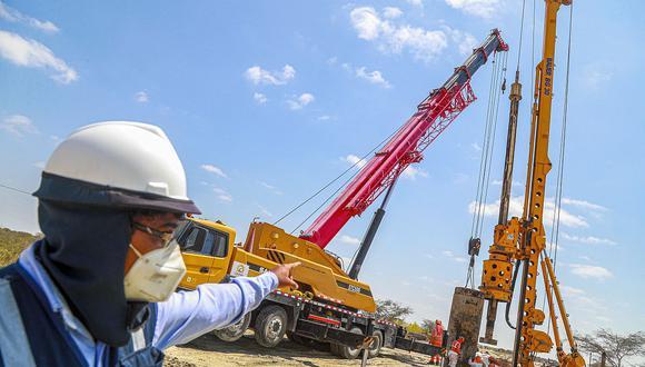 La inversión pública debe ser orientada a servicios e infraestructura básica, pero intensivas en empleo, dice César Peñaranda, economista y consultor internacional. (Foto: GEC)